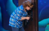 Камеди Вумен - Соседка, которая сверлит дверь
